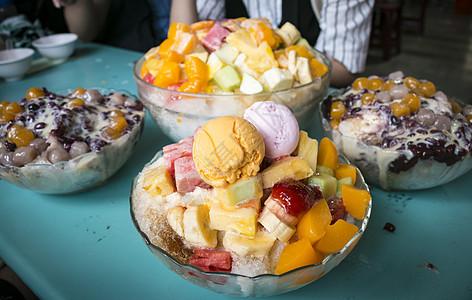 夜市冰淇淋甜品图片