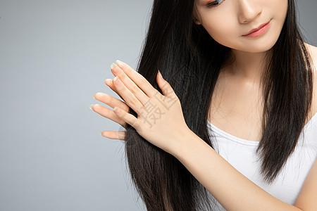 美女养护头发图片