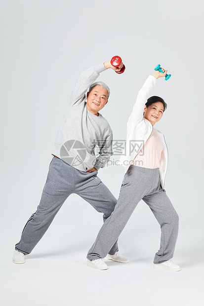 老人运动哑铃图片