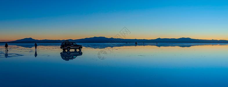 乌尤尼天空之镜图片