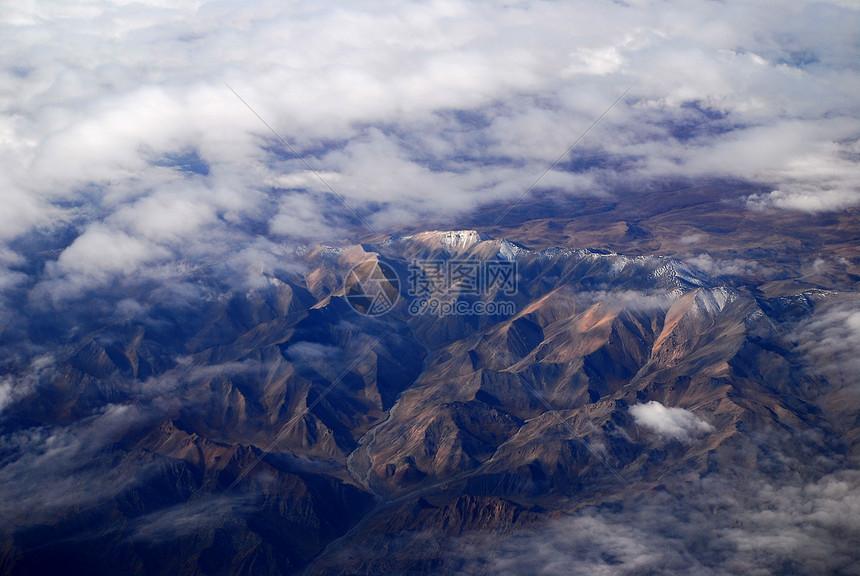 俯瞰山脉图片