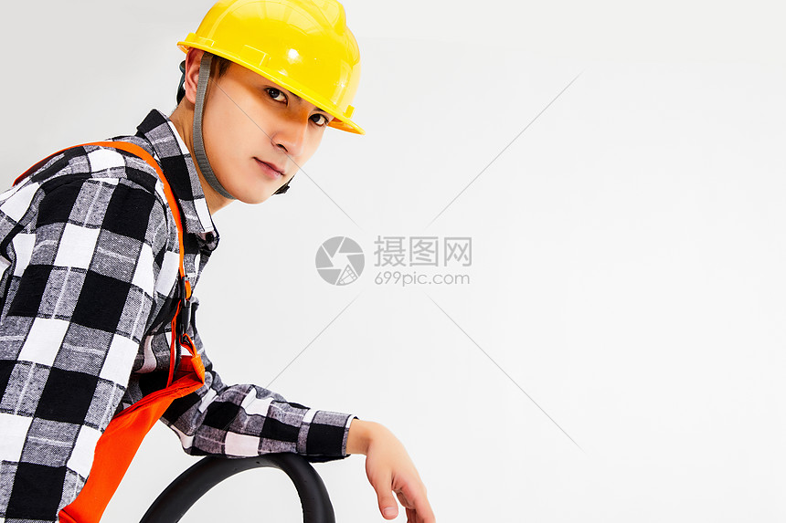 男性维修工人图片