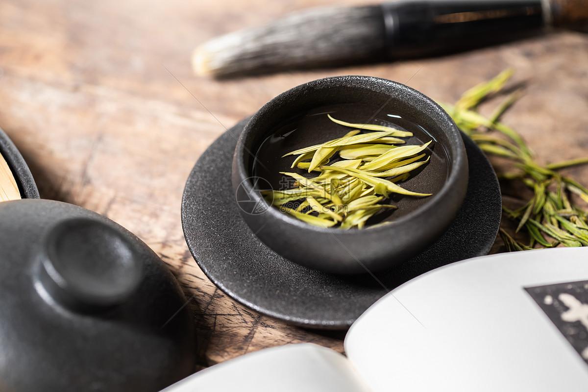 白茶有什么好处和坏处_白茶知识