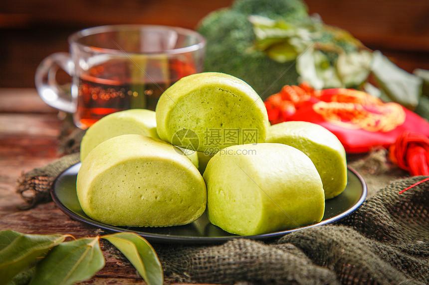 蒸菠菜馒头图片