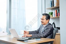 商务人士办公工作图片