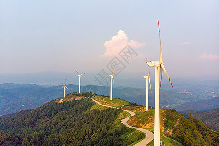 山顶风车风力发电清洁能源图片