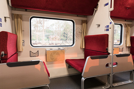 泰国新式火车内部座位图片