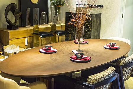 椭圆形餐桌图片