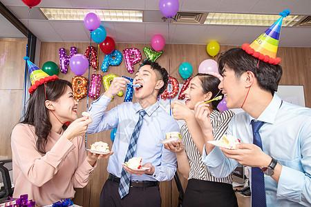 员工办公室生日派对图片