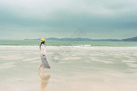 海边少女图片