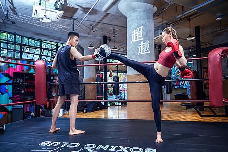 拳击运动员训练图片