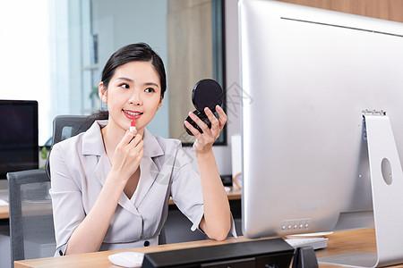 职场女性化妆图片