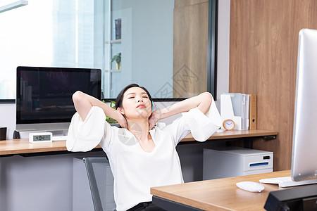 商务女性脖子疼图片
