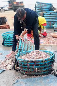 渔民的收获图片
