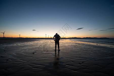 海滩剪影图片