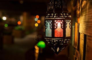 咖啡馆灯光暗调素材图片