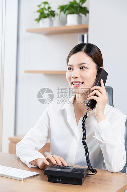 商务女客服打电话图片