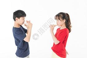 运动儿童喝牛奶图片