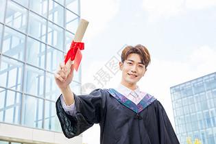 男大学生毕业照图片