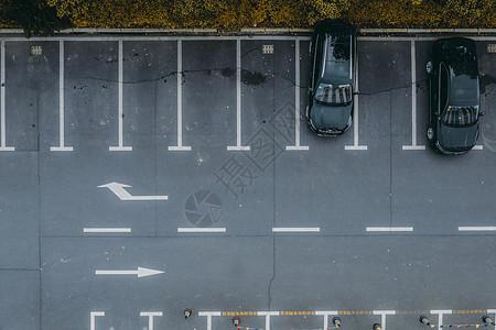 户外停车场图片