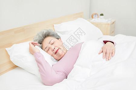 老人睡觉图片