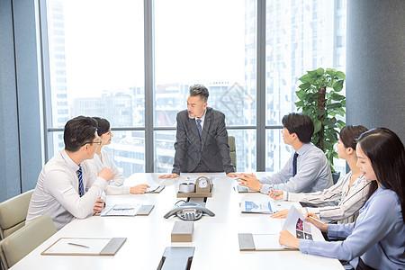 商务团队集体会议图片