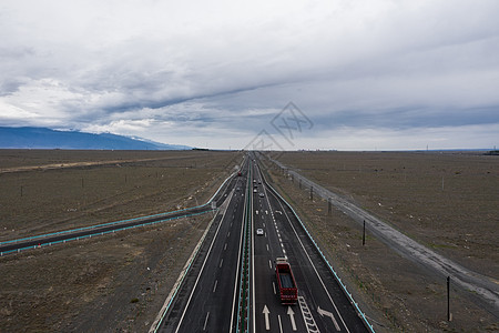 新疆高速路交通运输基础设施图片