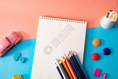 创意文具平铺桌面图片