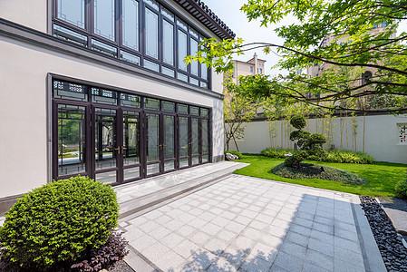 别墅样板间庭院绿化环境图片