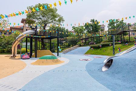 小区内儿童游乐场图片