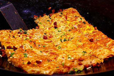 美食小吃街煎豆皮图片