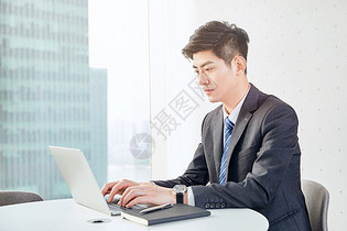 职场白领办公室工作图片