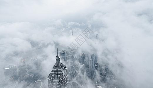 云雾中的上海图片