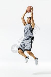 篮球运动员扣篮动作图片