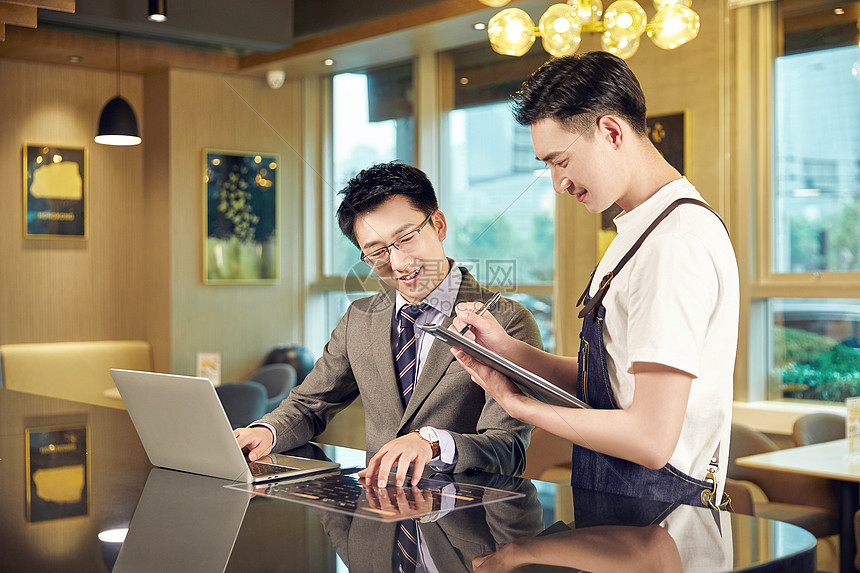 职场白领咖啡厅点单图片