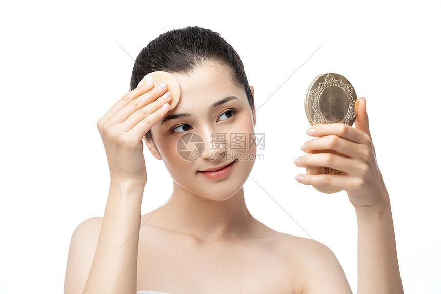 女性化妆图片