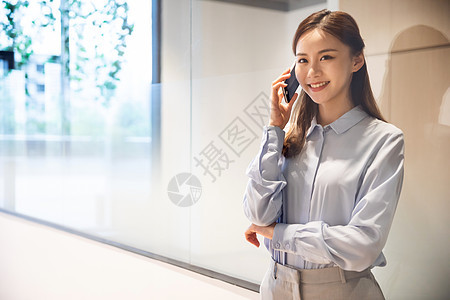 职场女性接打电话图片
