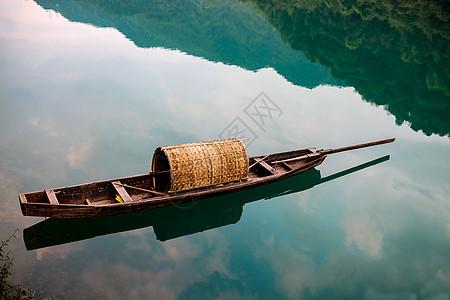 小东江小舟图片