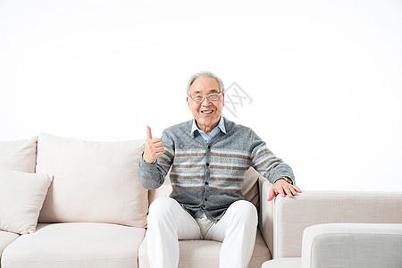 老年人点赞图片