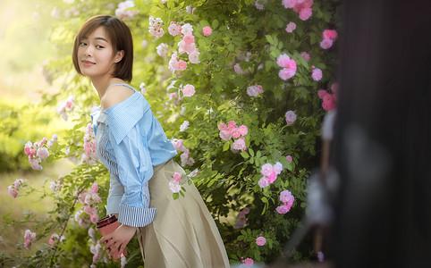 蔷薇夏季女孩图片