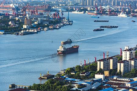 上海黄浦江码头货轮图片