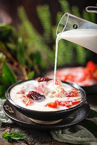 木瓜炖牛奶图片