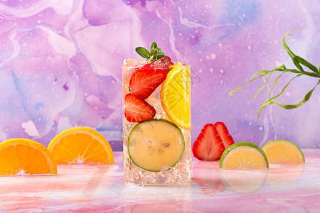 夏日草莓水果饮料图片