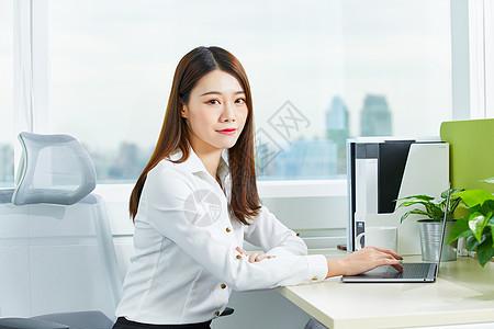 职场办公女性形象图片