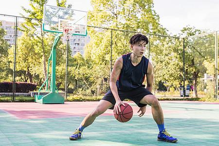 篮球运球图片