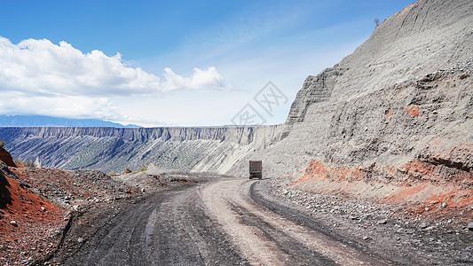 峡谷煤矿坑图片