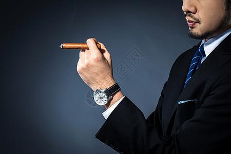 男士抽雪茄图片