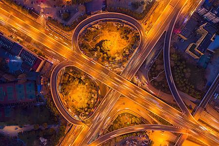 城市立交桥夜景车流车轨图片