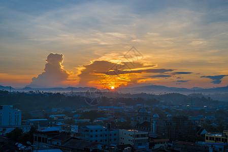 印尼美娜多海滨夕阳风光图片