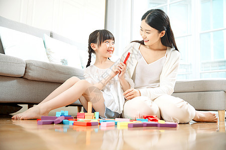 可爱母女搭积木图片